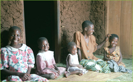 women_children_africa-sm